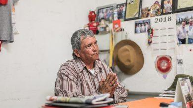 Photo of Arturo Arteaga soñó con ser árbitro y ahora cuida y administra canchas de fútbol