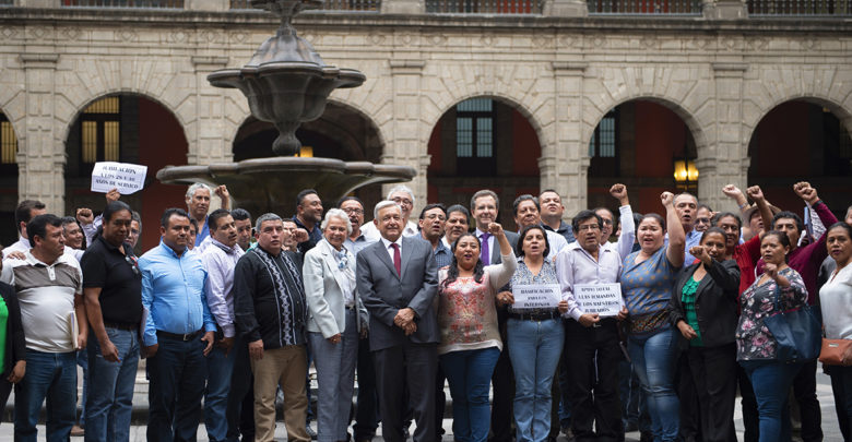 Photo of CNTE presume conquistas; AMLO niega presiones